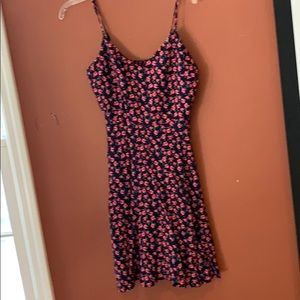 Gap black green and red dress size Small